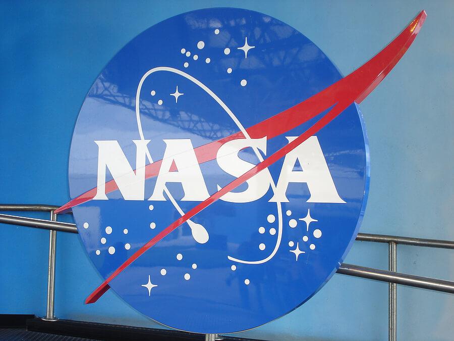 bigstock_Kennedy_Space_Center_nasa__4064149