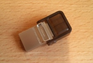 Kingston DataTraveler microDuo Closed