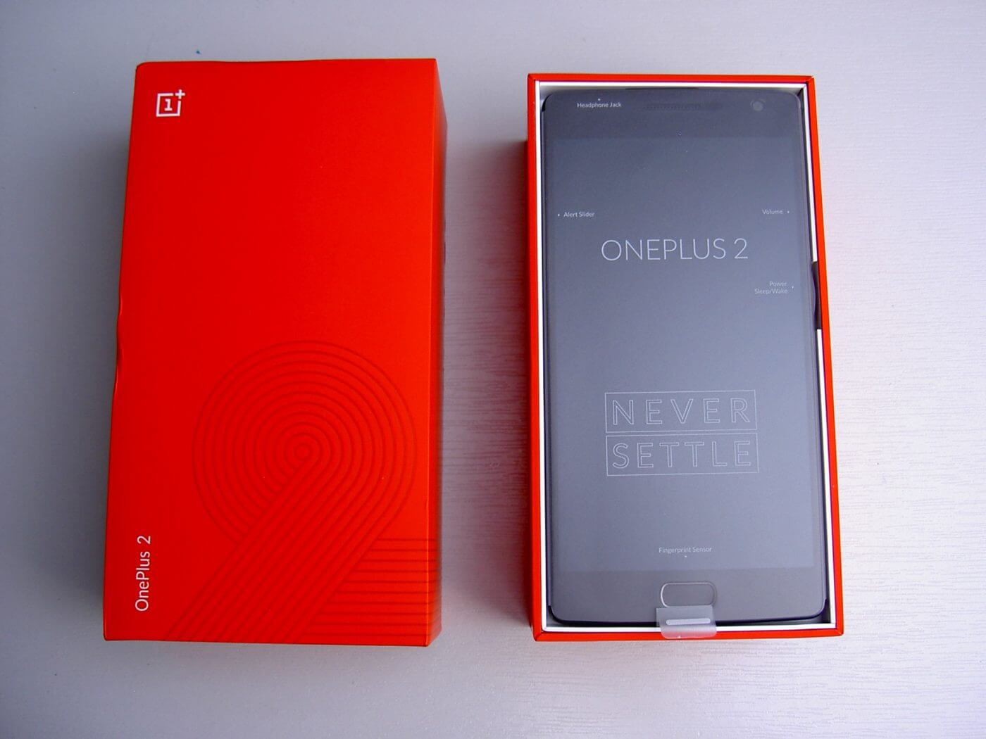 OnePlus 2 box open