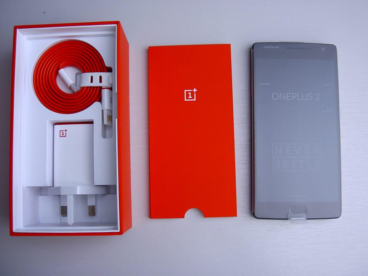 OnePlus 2 under tray