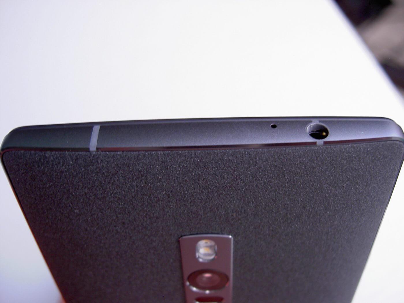 OnePlus 2 Top