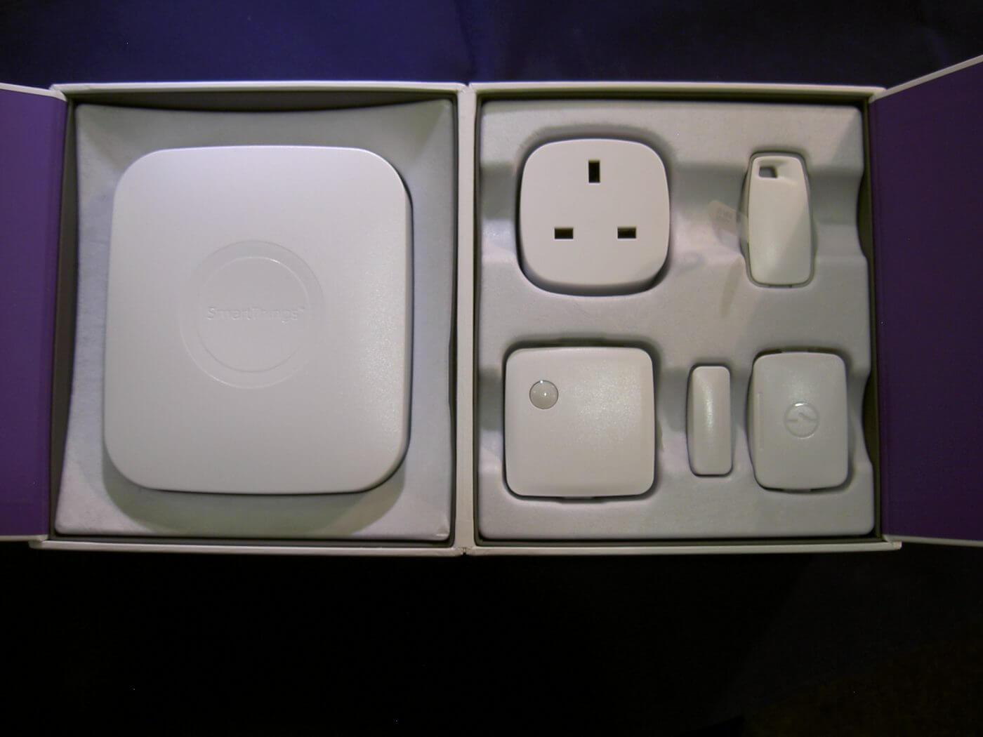 Samsung SmartThings Box