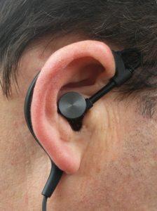 Syllable D700 On Ear